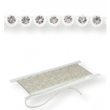 Gallon strass in platica ss15 (4,5mm) 1 row, Crystal F (C00030), White plastic base, White threads