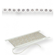 Gallon strass in platica ss8 (3mm) 1 row, Crystal F (C00030), Transparent plastic base, White threads